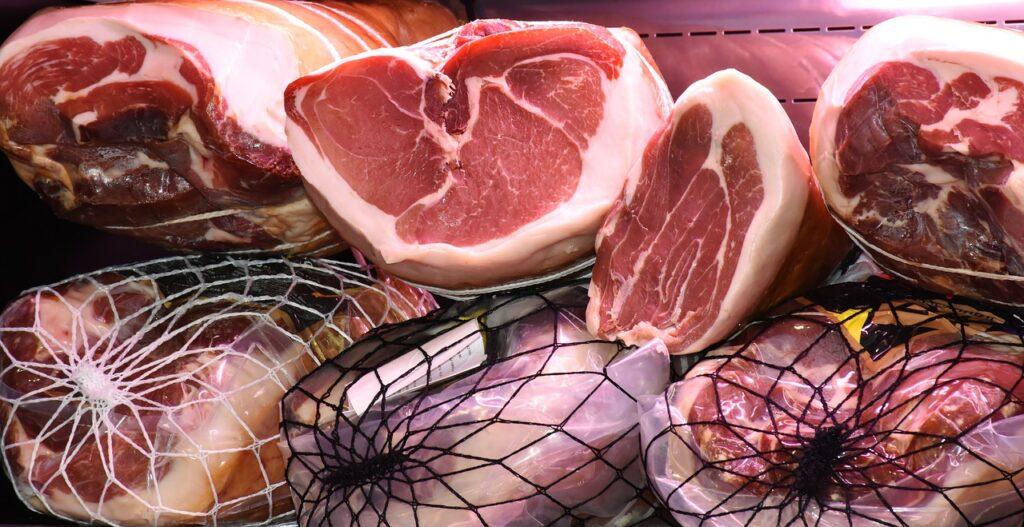 Carnea de porc va avea un preț mai mare cu 25% în Europa în următorii ani. Motivul creșterii, explicat de președintele ASAS